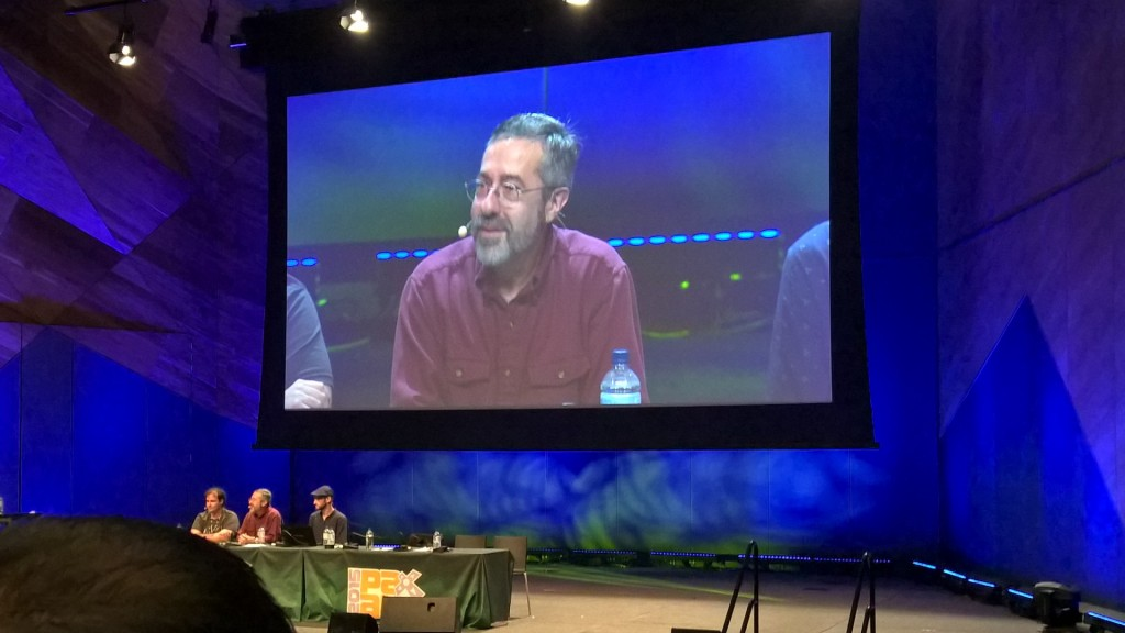 Warren Spector facing his MANY fans.