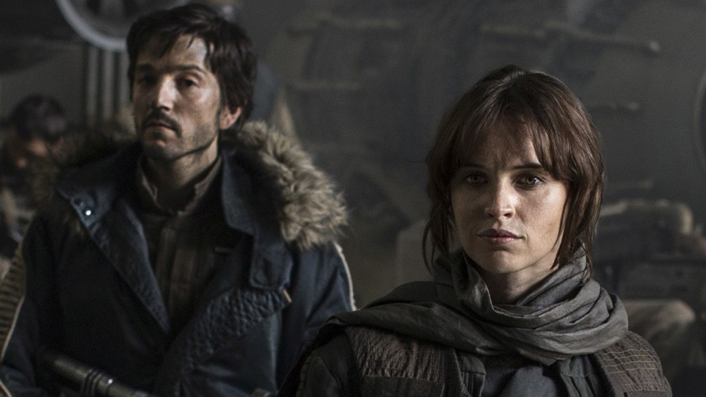 Cassian Andor (Diego Luna) and Jyn Erso (Felicity Jones) work well together.